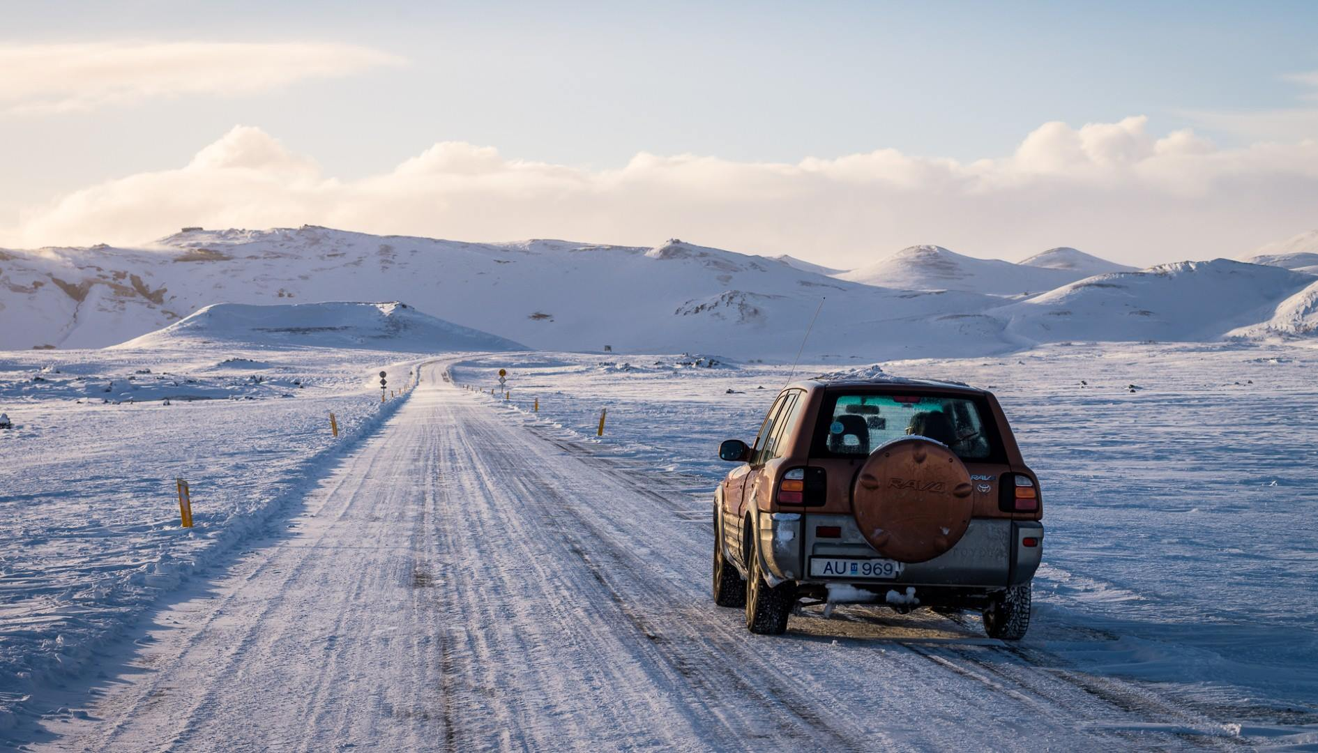 Winter snow driving Iceland