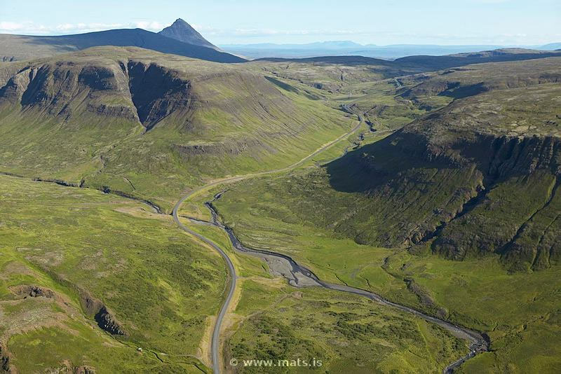 driving_the_ring_road_in_iceland_west