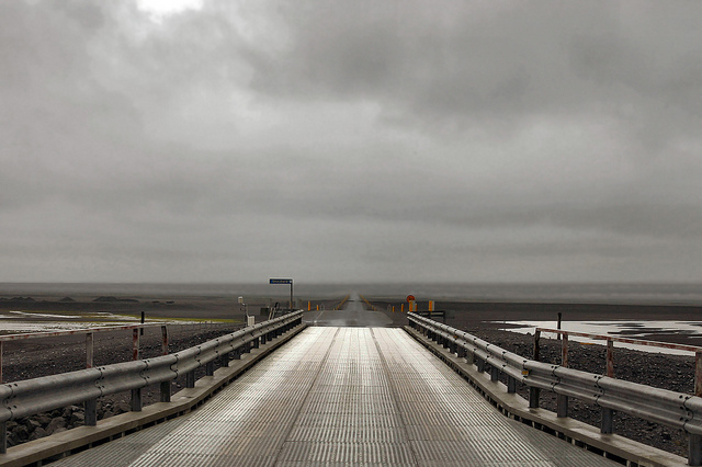 driving_the_ring_road_in_iceland_the_south_coast_bridge