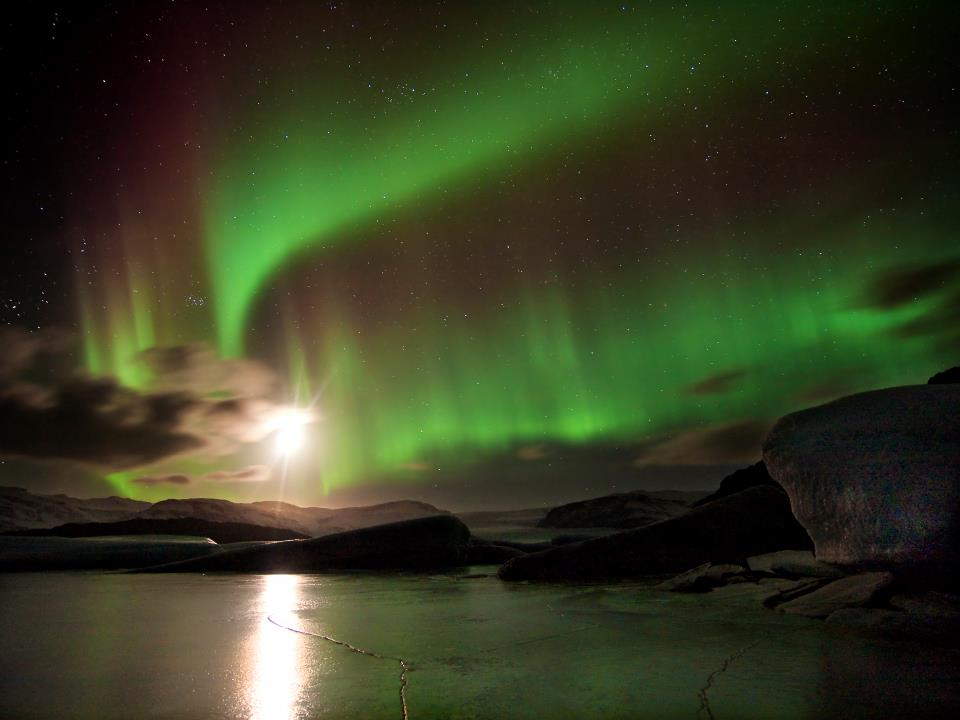 best time to visit iceland northern lights