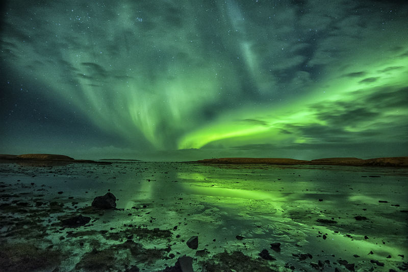 hunting_the_northern_lights_in_iceland
