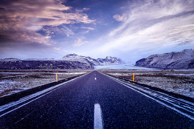 driving_the_ring_road_in_iceland_the_south_coast_road_winter