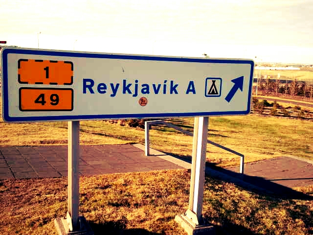 driving-in-iceland-information-tips-road-signs